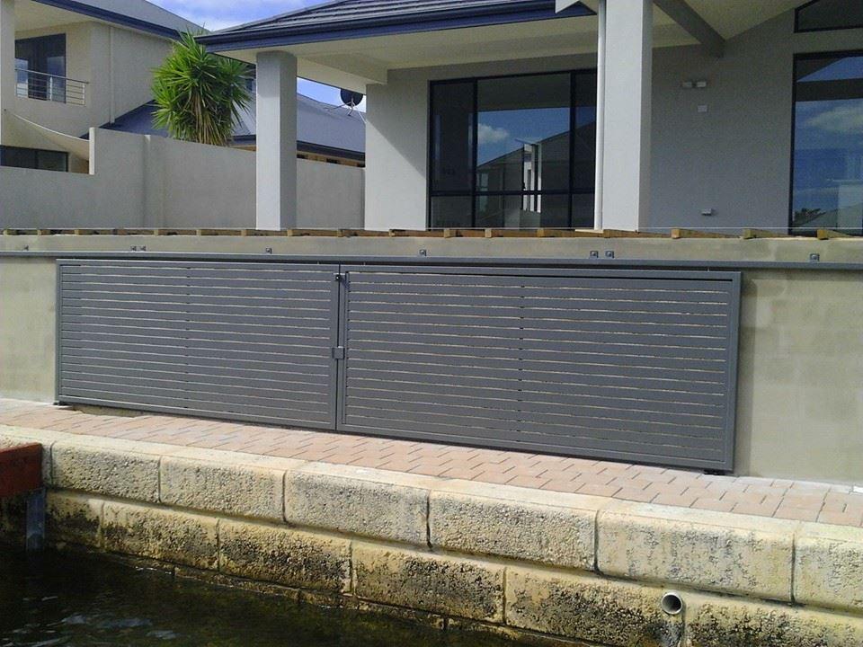 Quality Pool Fencing supplies Aluminium sliding gate to the Mandurah area